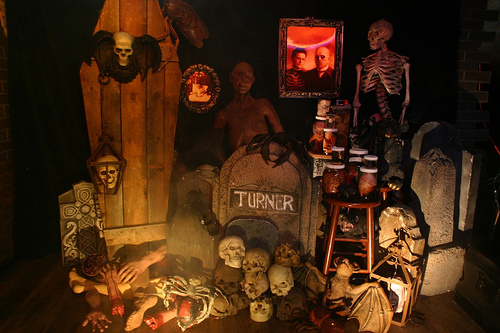 scary-halloween-decoration-design